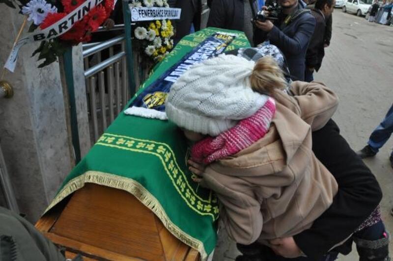 MKE Ankaragücü taraftarı Eren, son yolculuğuna uğurlandı