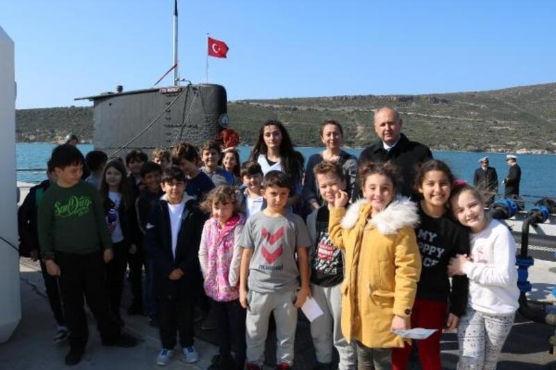 Mavi Vatan Tatbikatın'daki bazı gemiler, Foça'da ziyarete açıldı