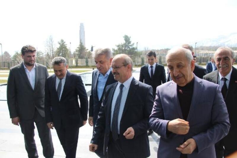 Seydişehir Belediye Başkanı, Eti Alüminyum çalışanlarıyla buluştu