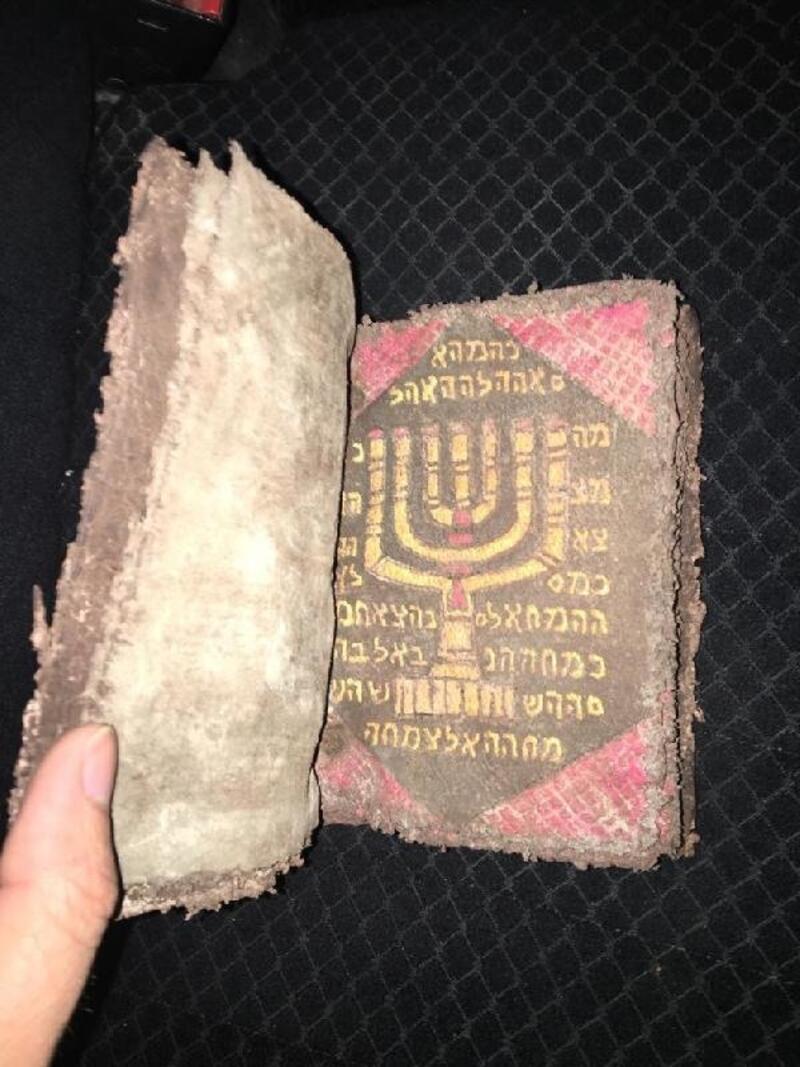 Suriye'de müzeden çalınan tarihi kitap, Kırşehir'de ele geçirildi