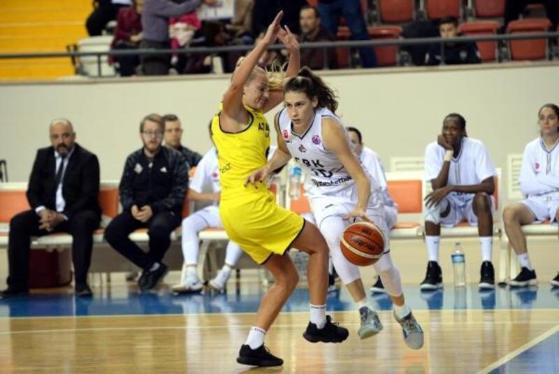 Çukurova Basketbol, yarı final için parkede