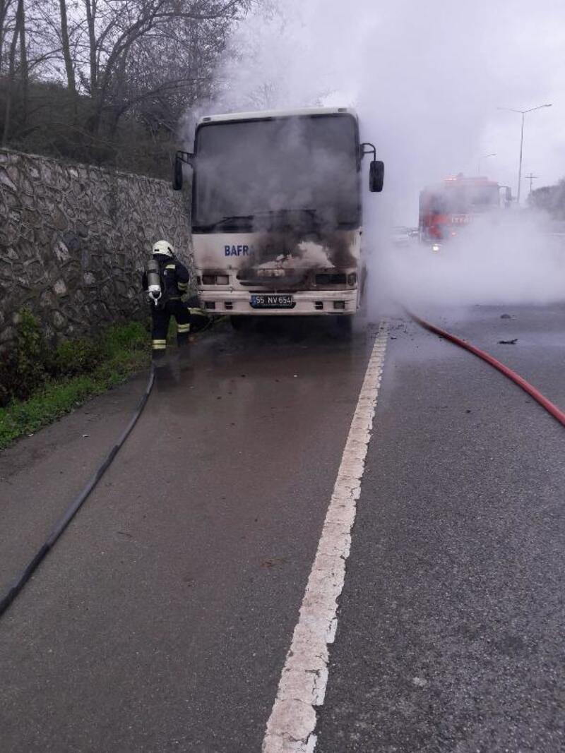 Midibüs seyir halinde alev aldı, 27 yolcu ölümden döndü