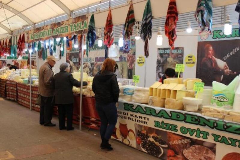 Niğde Elma Şenliği'nde yöresel ürünler satışa sunuldu