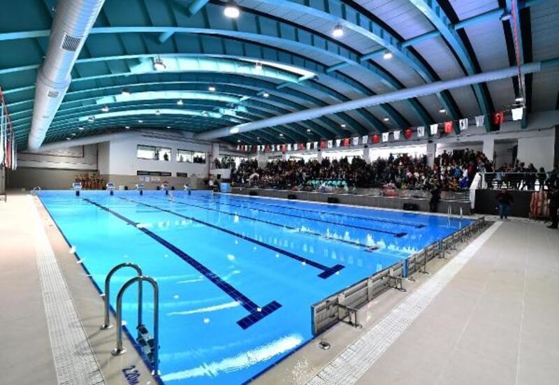 Bakırçay'ın ilk yarı olimpik havuzu Bergama'da açıldı