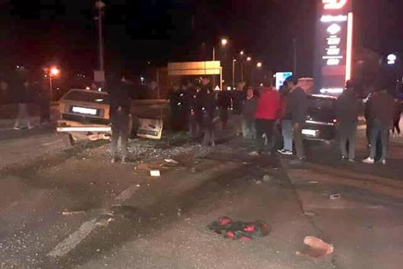 Mengen'de kavşakta otomobiller çarpıştı: 1 ölü, 2 yaralı