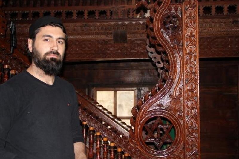 200 yıllık tarihi ahşap camiye ilgi arttı