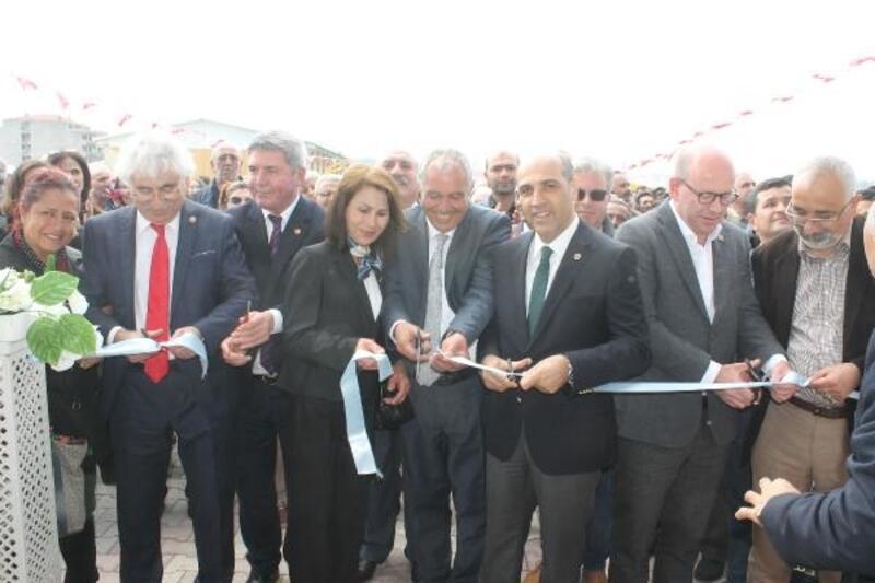 Manyas Kültür Merkezi ve Sosyal Tesisi açıldı