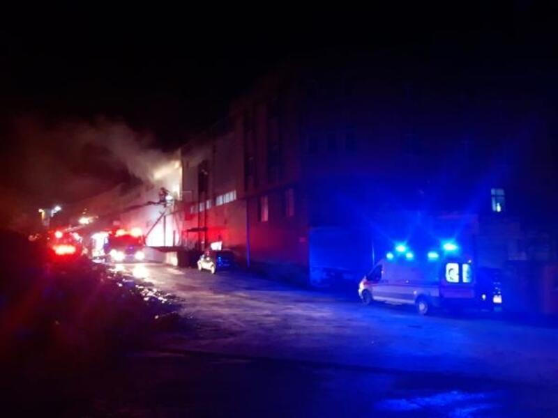 Arnavutköy'de depo yangını