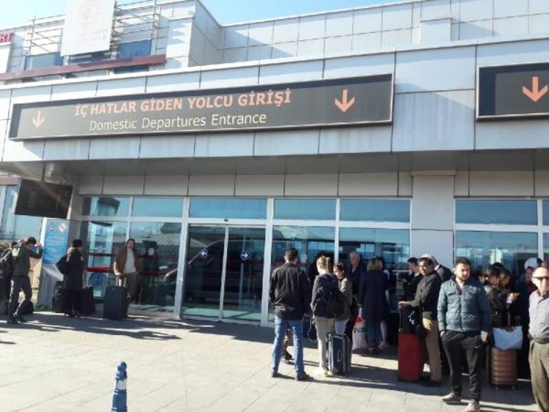 Kayseri Havalimanı'nda polis, mesai arkadaşını yaralayıp intihara kalkıştı