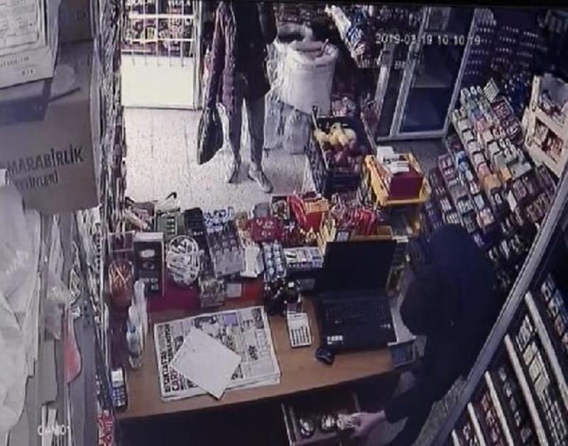 Marketten 12 saniyede hırsızlık kamerada