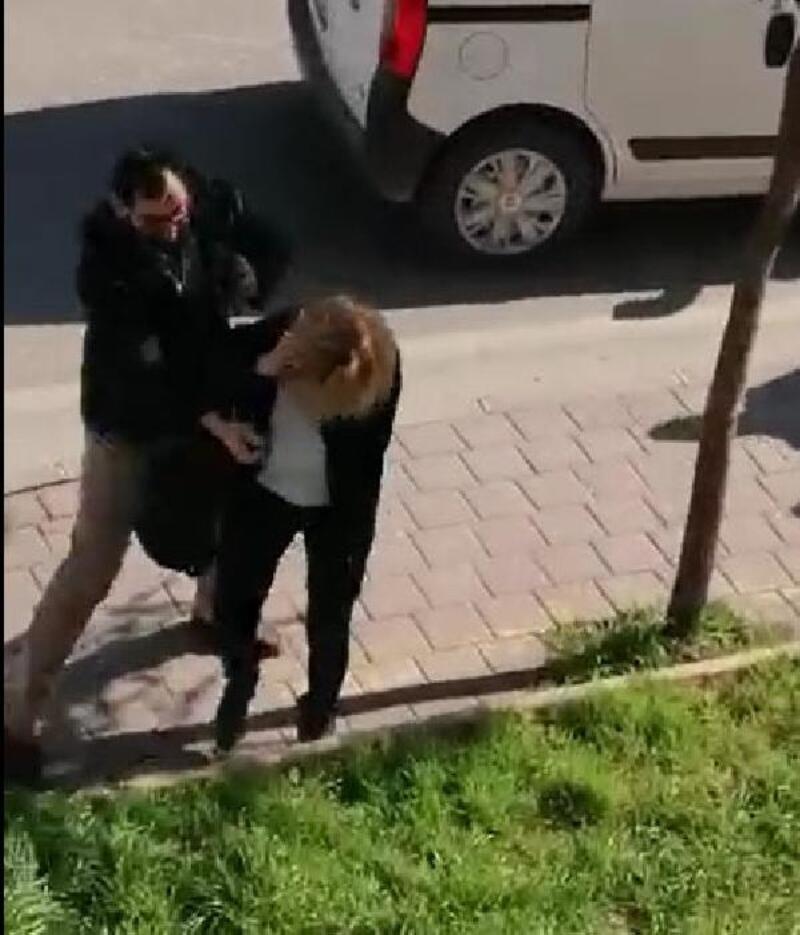 Kadın belediye otobüs şoförünün yüzüne biber gazı sıktı