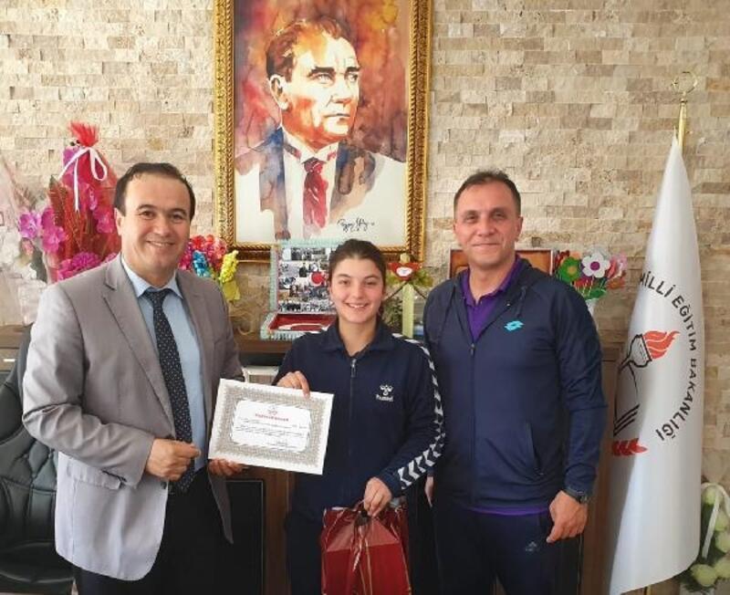 Zeynep Yıldırım Türkiye üçüncüsü