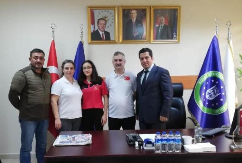 Azra Aksu Slovenya'da Türkiye'yi temsil edecek