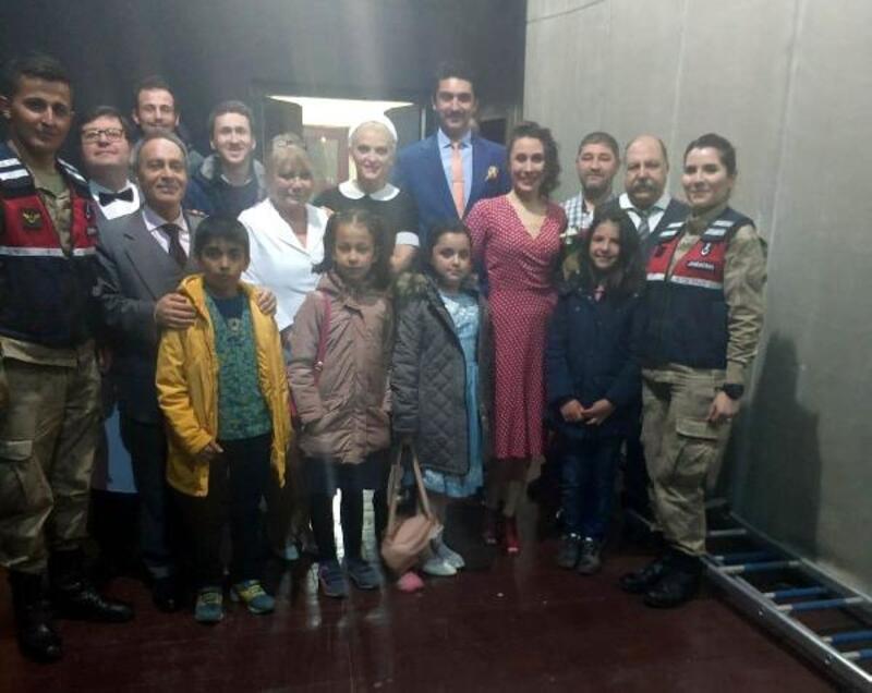 Jandarma, öğrencileri tiyatroyla tanıştırdı