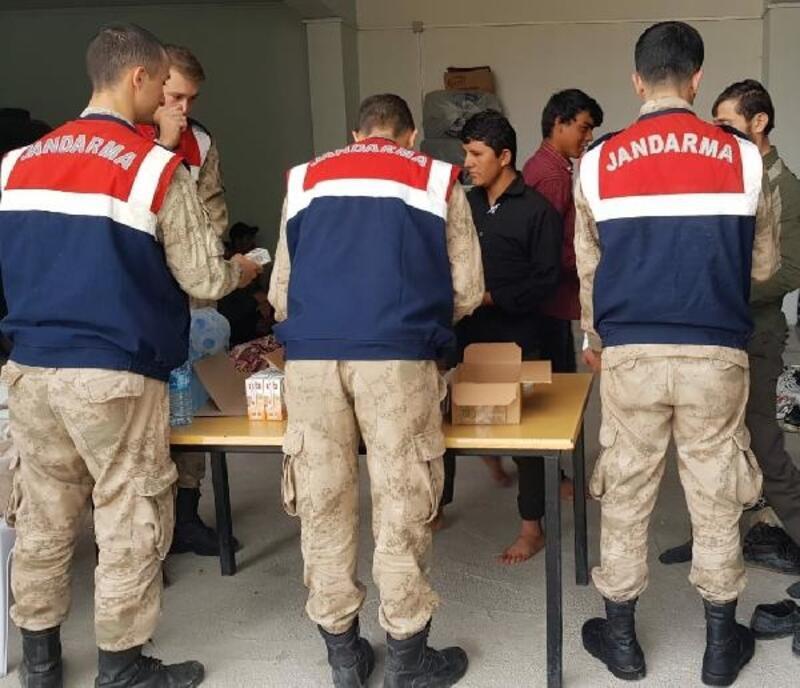 Van'da 56 kaçak yakalandı