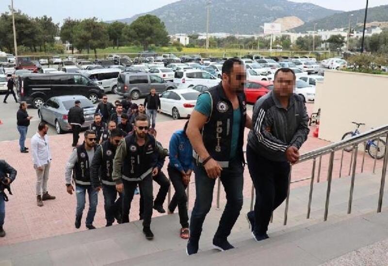 Bodrum'da göçmen kaçakçılığı şüphelisi 11 kişi adliyede