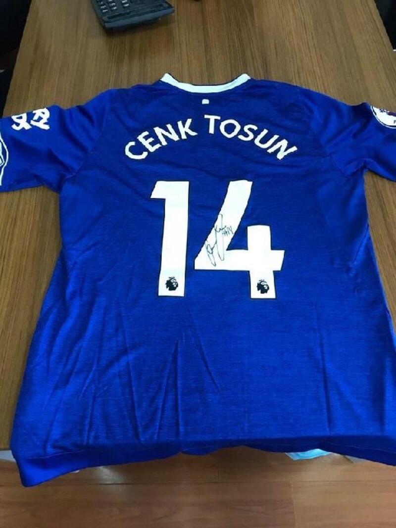 Cenk Tosun'dan Eskişehirspor'a destek