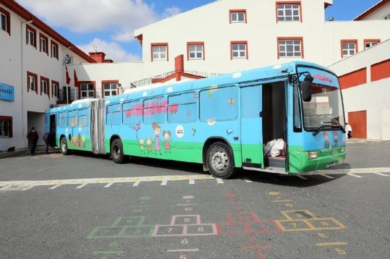 İBB Gençlik Meclisi 'Kreşbüs' ile çocukların hizmetinde