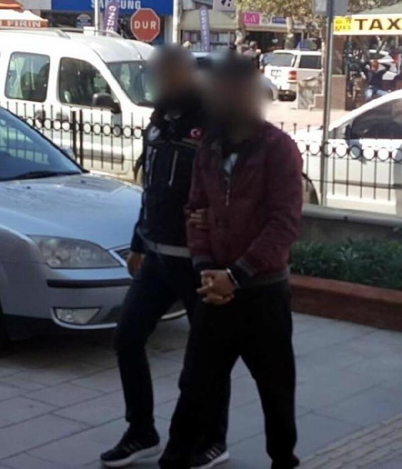 Pantolon astarına dikilen cepte uyuşturucu ile yakalanıp tutuklandı