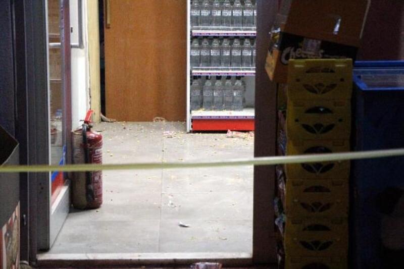 Hapis cezası kararını öğrenince gasp yaptığı markete ateş açtı