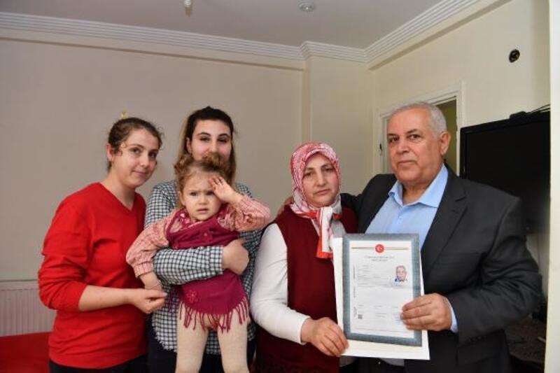 Maltepe Belediye Başkanı Kılıç, hak sahiplerine tapularını teslim etti