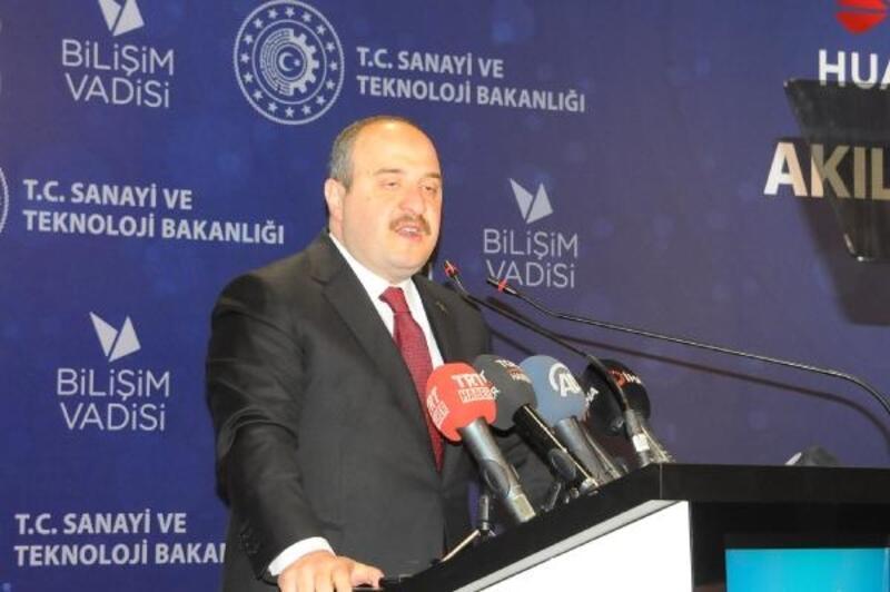 Bakan Varank: Türkiye bilim insanları için bir cazibe merkezi haline geliyor