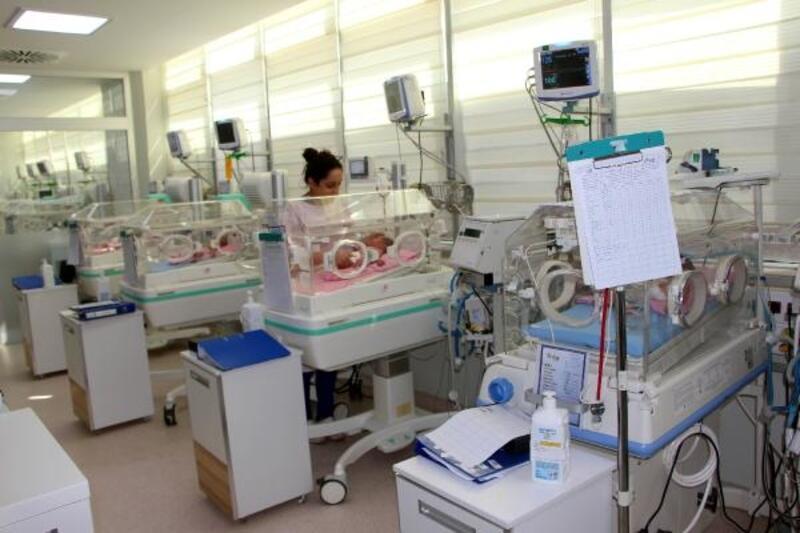 Yeni doğan bebek, mahkeme kararıyla yaşama tutundu
