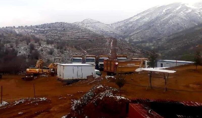 Alaşehir'in yüksek kesimlerine kar yağdı
