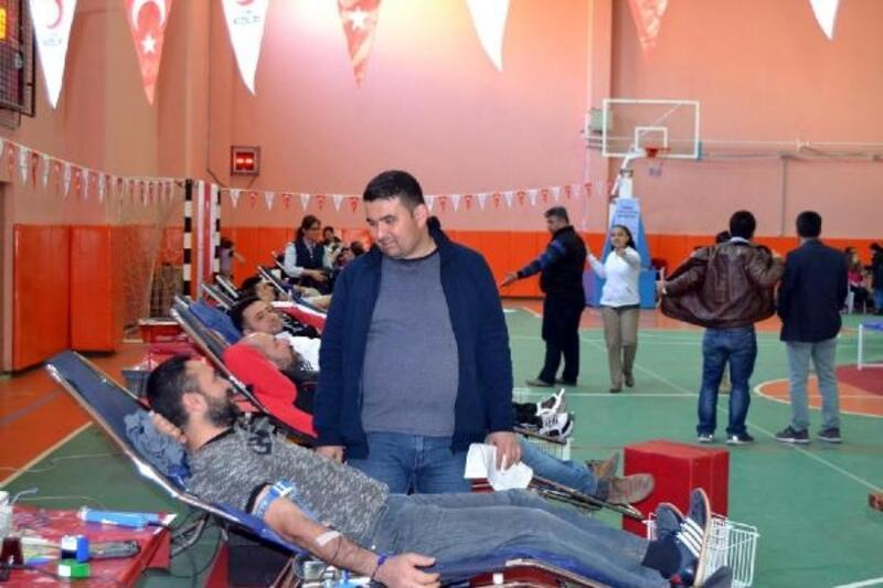 Kan bağışında Türkiye rekoru Salihli'de