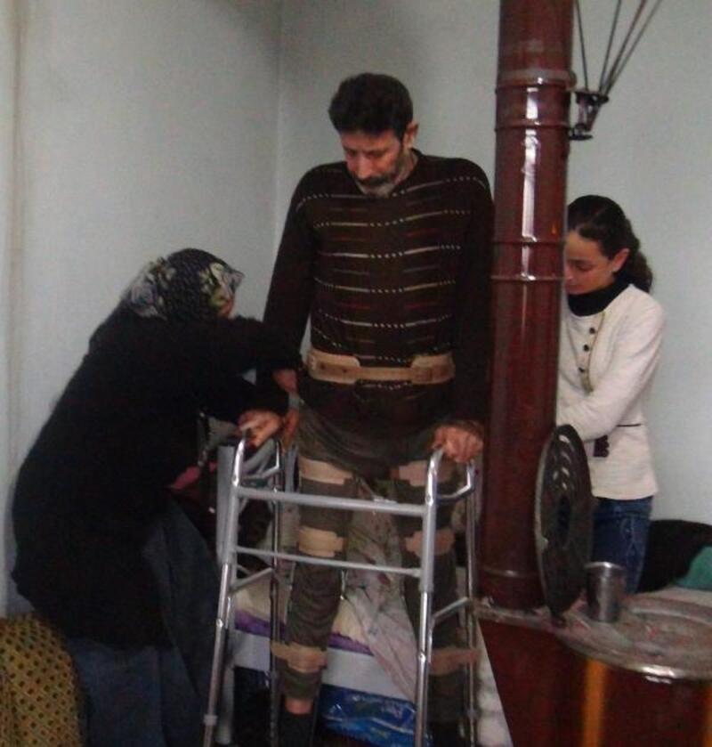 4 çocuklu ailenin tek gözlü odada yaşam mücadelesi