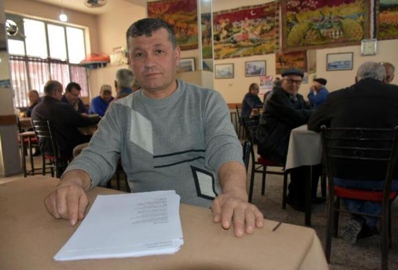 Şair kahvehanecinin hedefi kitap çıkarmak