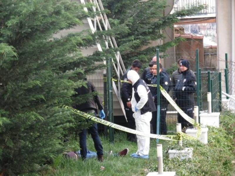 Ümraniye'de site bahçesinde erkek cesedi bulundu