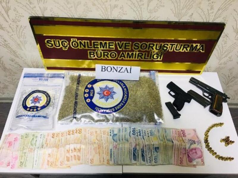 Gaziantep'te uyuşturucu ve tabancaya 2 tutuklama