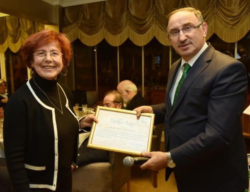 Mustafakemalpaşa'ya değer katanlara vefa ödülü