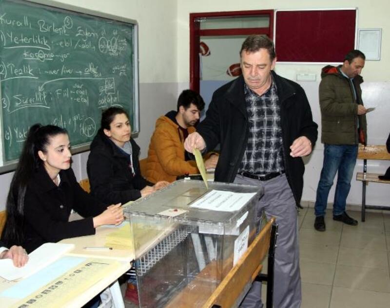 Gaziantep'te oy kullanma işlemi saat 07.00'de başladı