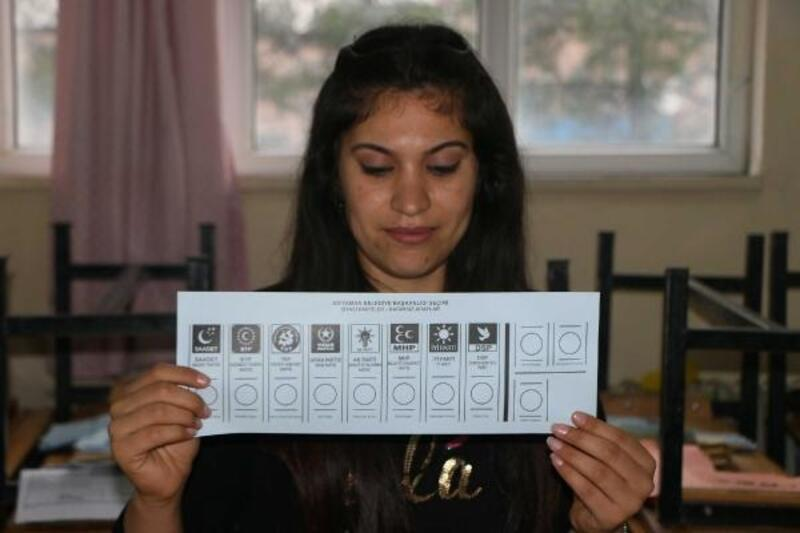 Adıyaman'da bin 363 sandıkta oy verme işlemi başladı