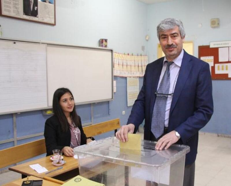 Burdur'da seçmenler sandık başında