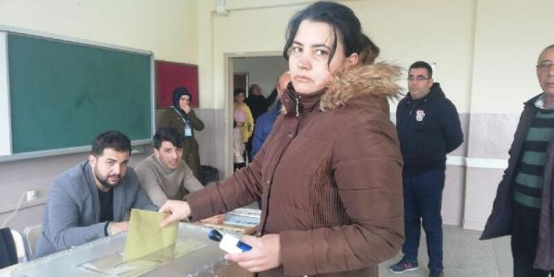 Malatya'daki depremzedeler oylarını kullanıyor