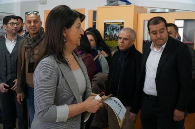 HDPEş Başkanı Pervin Buldan oyunu kullandı
