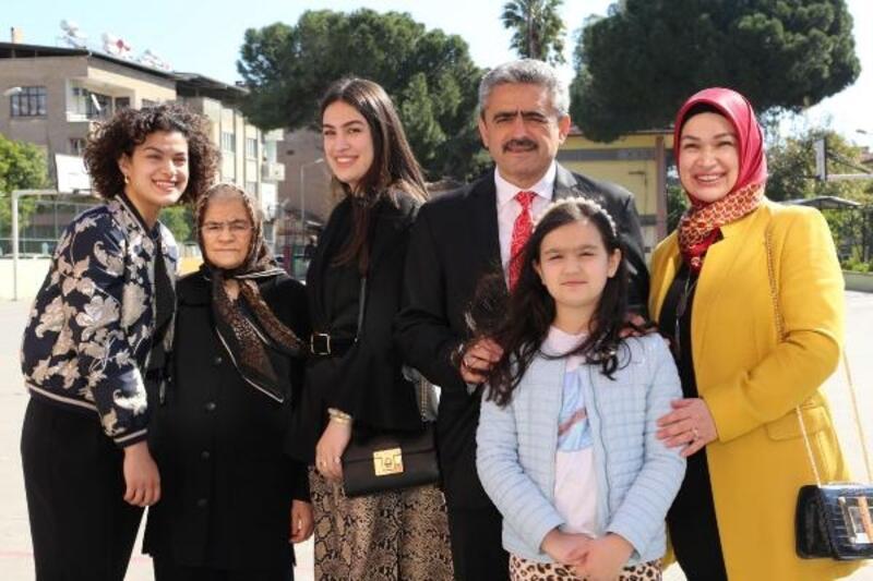 Nazilli Belediye Başkanı Alıcık, ailesiyle oy kullandı