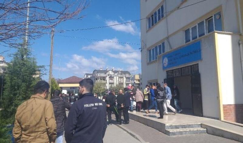 Mudanya'da seçmenler sandık başına gitti