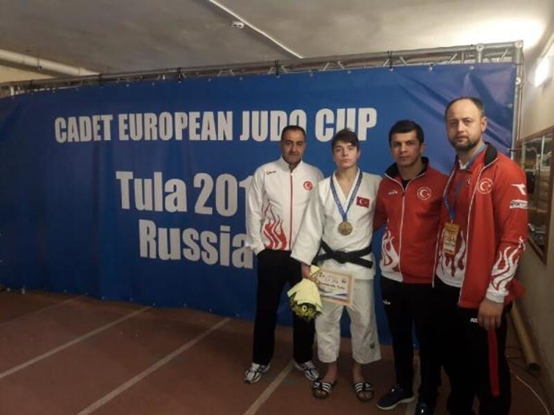Milli Judocu Talha Büyükeser'den bronz madalya