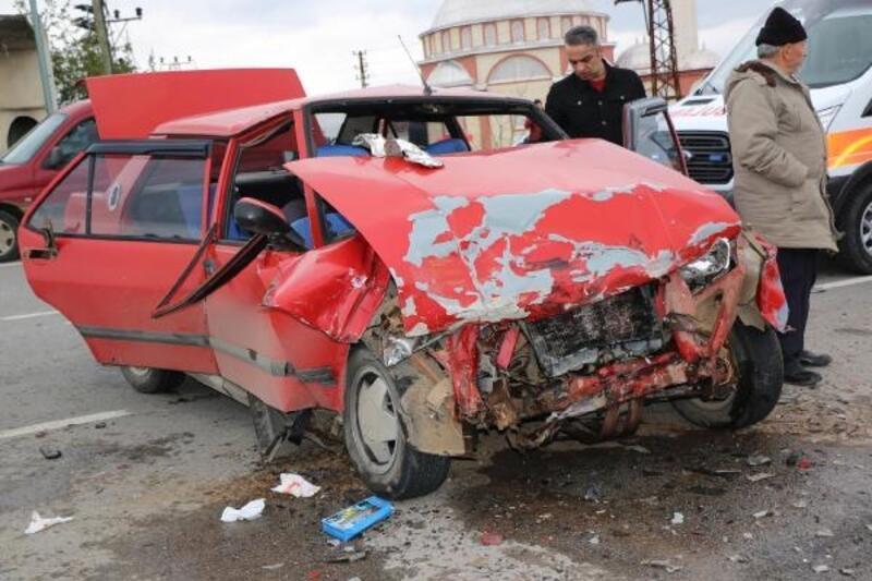 Samsun'da oy kullanma dönüşü kaza: 7 yaralı