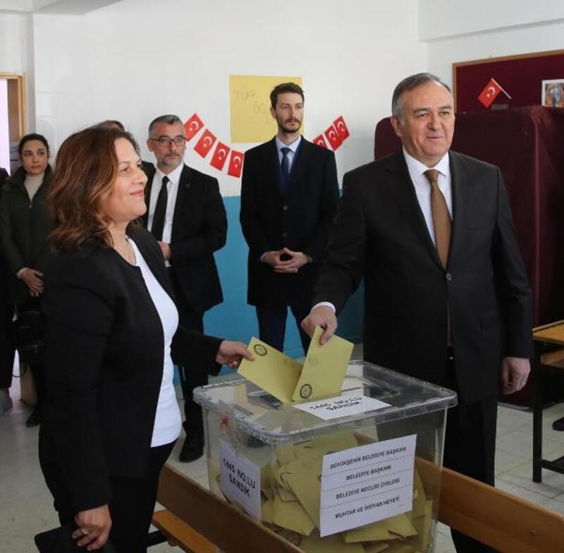 MHP'li Akçay oyunu Manisa'da kullandı