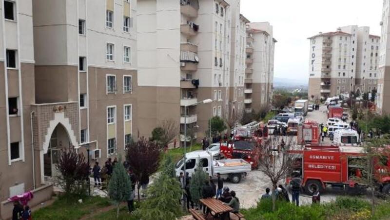 Apartmanın elektrik panosu alev aldı, 8 kişi hastaneye kaldırıldı