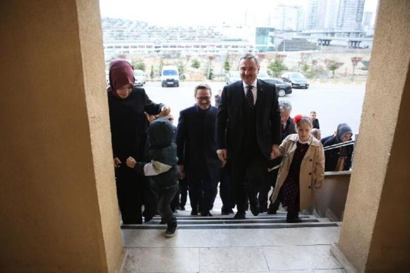 AK Parti İl Başkanı Bayram Şenocak oyunu kullandı