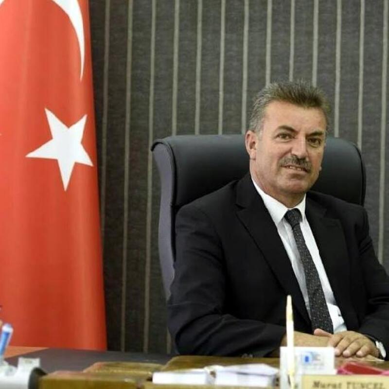 Başçiftlik Belediye Başkanı, sandıklarıgezerken tartışma çıktı