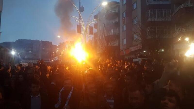 Şırnak'ta AK Parti'lilerden erken kutlama