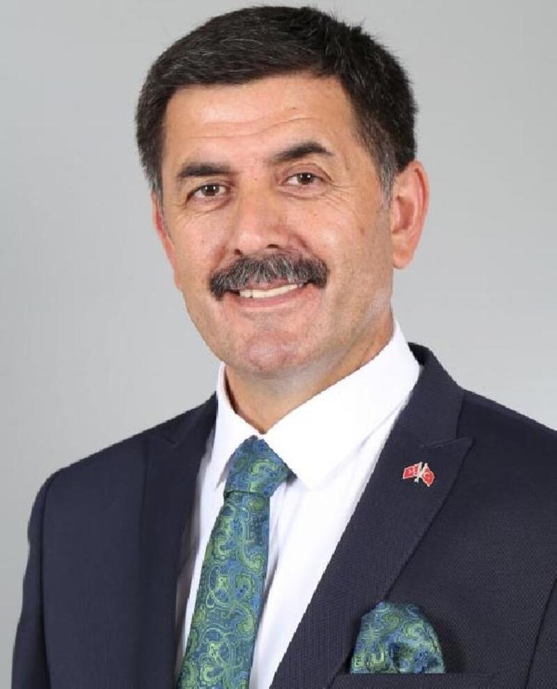 Erzincan'da 15 yıl sonra MHP kazandı; yeni başkan Bekir Aksun