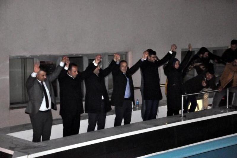 Bitlis'te AK Parti'liler kutlama yaptı